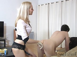 Confined up submissive is fucked by deviant mistress with strapon Eleise de Lacy