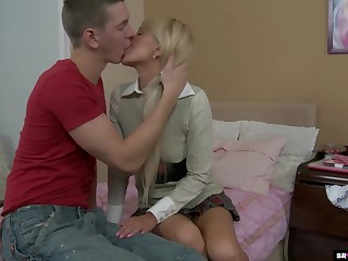 Disobedient college chick gets her anus fucked and takes cumshots in mouth