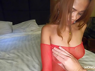 Casual sex with slutty Asian chick in the hotel room